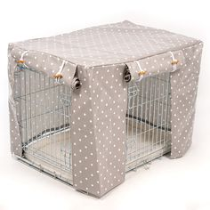 Lords and Labradors specialise in dog crate covers. They completely transform your dog's crate into a smart pet pad! Our oilcloth crate covers are the latest edition to our range. They  give the same den like dwelling experience as our soft fabric covers but can be wiped down. Very hygienic, super practical and easy, they can be teamed with a piece of vet bed or a crate mat for puppies or adult dogs.  You can get a crate and cover combination or get in touch if you would like a bespokely…