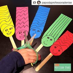 Coordenação motora Motor coordination is our body& ability to make articulated movements and is a result of the interaction between our muscular, skeletal, nervous and sensory systems. The post Motor coordination appeared first on Pink Unicorn. Cutting Activities, Motor Skills Activities, Preschool Learning Activities, Fine Motor Skills, Toddler Activities, Preschool Activities, Kids Learning, Preschool Life Skills, Handwriting Activities