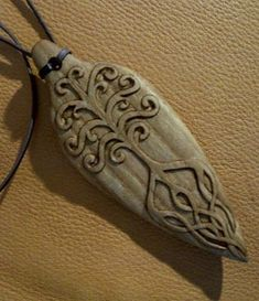 There is something to say about making Talisman, it is for me a particular vibration, very different that making a wand or a staff , I can. Chip Carving, Bone Carving, Antler Jewelry, Wooden Jewelry, Dremel Carving, Whittling Wood, Chicken Crafts, Viking Art, Wood Necklace