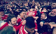 Fosuh-Mensah & Smalling thank Man United team mates after Everton win [Instagram]