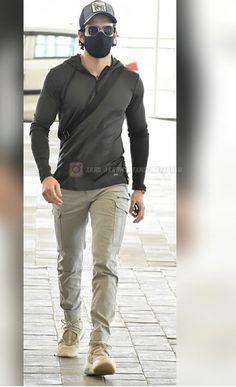 Famous Indian Actors, Actor Photo, Handsome Actors, Super Star, Besties, Leather Jacket, Quote, Stars, Jackets