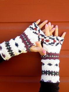 fingerless gloves old sweater  SMART !!!