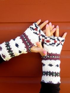 Recycle an old sweater into...Fingerless Gloves. #recycleoldsweaters