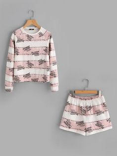 Shop Letter Print Sweatshirt And Pocket Back Shorts Set online. SheIn offers Letter Print Sweatshirt And Pocket Back Shorts Set & more to fit your fashionable needs. Cute Lazy Outfits, Cool Outfits, Casual Outfits, Fashion Outfits, Cute Pjs, Cute Pajamas, Shirts For Teens, Outfits For Teens, Pijamas Women