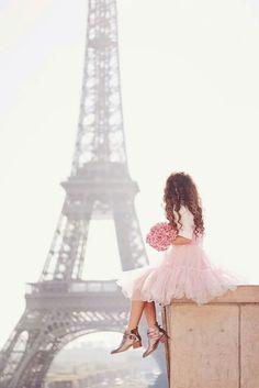 From Paris with love. Tulle dress by Asos. Eiffel Tower and a girl. Pink Paris, Paris 3, I Love Paris, Paris City, Torre Eiffel Paris, Paris Eiffel Tower, Beautiful Paris, Reportage Photo, Paris Photography