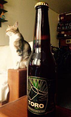 Totoro y Cerveza Toro con Mezcal