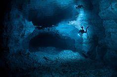 Plongée dans une grotte sous marine Russe orda cave russie plongee 06 lieux information divers bonus