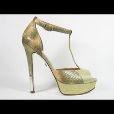 1960s Cream, Jade and Gold T-Strap Platform Peep Toe Pumps