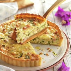 Discover recipes, home ideas, style inspiration and other ideas to try. Zucchini Quiche, Bacon Quiche, Quiches, Low Carb Recipes, Real Food Recipes, No Cook Appetizers, Quiche Lorraine, Quiche Recipes, Breads