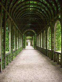 Loofgang, Paleis het Loo, Apeldoorn, Gelderland - Het Loo Palace is a palace in Apeldoorn, Nederland