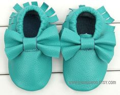 12-24moTurquoise Baby moccasins with bow,slip-on baby shoe, baby moccs,leather shoes, baby feet, soft baby shoes, toddler shoes, baby shoes