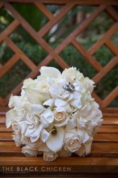 White hydrenga, white roses, white calla lilies, and gardenias #naakitifloral