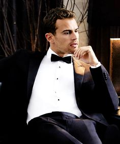 Theo James, Theodore James, James 3, Hot Actors, Actors & Actresses, Pretty Boys, Cute Boys, Good Looking Actors, Sharp Dressed Man