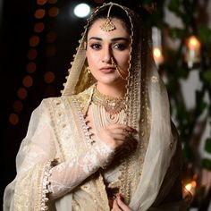 Actress Sarah Khan Bridal Photos in Drama Abdullahpur Ka Devdas Pakistani Bridal Dresses, Pakistani Dress Design, Pakistani Outfits, Indian Outfits, Wedding Guest Makeup Looks, Wedding Makeup Looks, Beautiful Bride, Beautiful Outfits, Beautiful Couple
