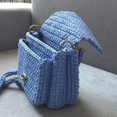 How to Crochet a Beauty and Cute Handbag or Bags? New Season 2019 Crotchet Bags, Crochet Tote, Crochet Baby Shoes, Crochet Handbags, Crochet Purses, Crochet Scarves, Crochet Clothes, Knit Crochet, Crochet Designs