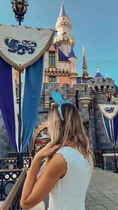 Disneyland Photography, Disneyland Photos, Disneyland Outfits, Disney World Pictures, Cute Disney Pictures, Disney Poses, Disneyland California Adventure, Park Pictures, Disney Aesthetic