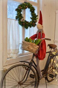 Life in these pine salo Swedish Christmas, Scandinavian Christmas, Little Christmas, Country Christmas, Winter Christmas, Vintage Christmas, Christmas Time, Merry Christmas, Maileg Bunny