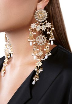 Like the lights of an entire galaxy sitting on the tip of your earlobes. Meet ANDROMEDA, the mother queen of all other earrings that ever existed. Indian Jewelry Earrings, Indian Jewelry Sets, Jewelry Design Earrings, Silver Jewellery Indian, Indian Wedding Jewelry, Ear Jewelry, Bridal Earrings, Bridal Jewelry, Tikka Jewelry