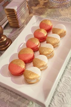 Two tone macarons by @sweet bloom cakes