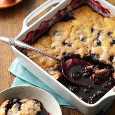 Almond Cherry Cobbler Recipe -This bubbling cherry cobbler is one of my favorite dishes. Serve warm with vanilla ice cream or whipped cream. Cherry Desserts, Cherry Recipes, Ice Cream Desserts, Just Desserts, Dessert Recipes, Fruit Dessert, Dessert Ideas, Kraft Recipes, Dessert Bars