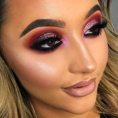We at Makeup FOMO are definitely eyeshadow addicts. We are constantly looking beautiful new colors as inspiration for new eye looks! Our calendar features all upcoming makeup product releases so you won't miss out!