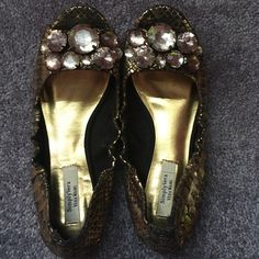 VeraWang flats! Cute flats from VeraWang. Originally bought  from kohls. Worn a few times. Vera Wang Shoes Flats & Loafers