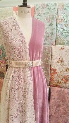 Abaya Fashion, Ethnic Fashion, Fashion Dresses, Western Dresses, Indian Dresses, Indian Designer Outfits, Designer Dresses, Vintage Dresses, Nice Dresses