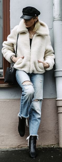 Winter Outfit Inspiration: How to combine a short teddy fleece jacket! - All About Fashion Outfits With Hats, Short Outfits, Trendy Outfits, Boys Winter Clothes, Clothes For Women, Everyday School Outfits, Winter Outfits, Mein Style, Only Fashion