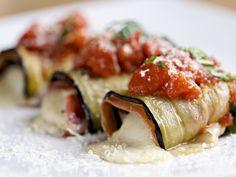 Aubergines roulées à la mozzarella : Recette d'Aubergines roulées à la mozzarella - Marmiton