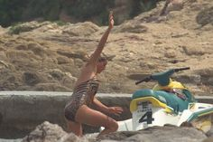 THE PRINCESS OF WALES ON HOLIDAY IN ST TROPEZ