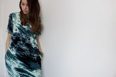 Nisi is wearing an ocean print dress from & other stories - teetharejade.com