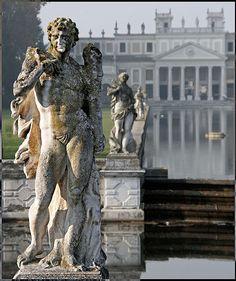 Statuary Villa Pisani, Italy