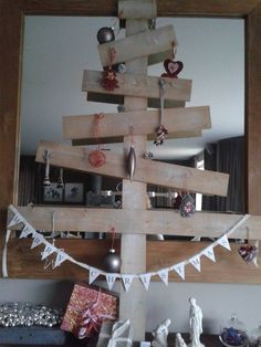My x-mastree. Easy to make of pieces of wood....