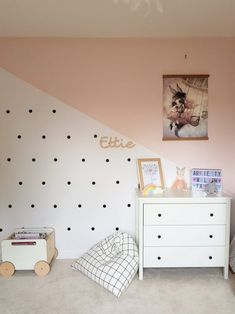 Baby Girl Nursery Room İdeas 554927985334476056 - simple and stylish baby girls nursery Ettie and Me Source by jeremiechappel Baby Boy Rooms, Baby Bedroom, Little Girl Rooms, Baby Room Decor, Nursery Room, Girl Nursery, Girls Bedroom, Baby Girls, Decorating Rooms