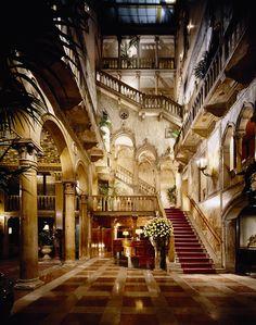 Hotel Danieli, Venice #luxurydesign #luxuryhotel #hoteldesign luxury holidays, lux travel, boutique hotel design. Visit www.memoir.pt