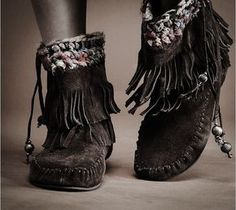 ,☆Have always .oved moccasions, they're so earthy and comfortable and......well......they're just me! Maybe it's my Indian heritage, of which I am so proud of.