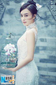 Qin Lan graces magazine in wedding dress Wedding Girl, Chinese Actress, Asian Style, Winter White, Kpop Girls, Asian Beauty, One Shoulder Wedding Dress, Flower Girl Dresses, Beautiful Women