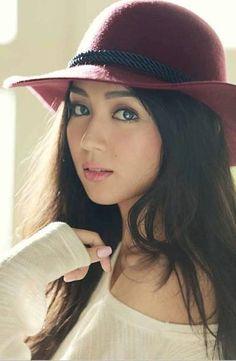 throwback // beautiful as always, kathryn bernardo❤ Filipina Actress, Filipina Girls, Filipina Beauty, Philippines, Kathryn Bernardo, Girl With Hat, Girl Crushes, Asian Woman, Asian Beauty