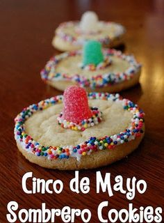 5 de Mayo Last Minute Idea: Sombrero Cookies The AVENUE & 5 de Mayo Last Minute Idea: Sombrero Cookies & The AVENUE & so awesome! The post 5 de Mayo Last Minute Idea: Sombrero Cookies appeared first on Mattie Christian. Mexican Food Recipes, Cookie Recipes, Dessert Recipes, Mexican Desserts, Freezer Recipes, Freezer Cooking, Drink Recipes, Cooking Tips, Mexican Snacks