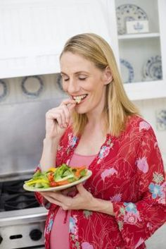 Important foods to eat during first trimester of pregnancy!