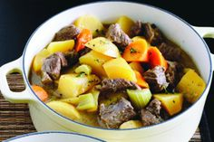 Keep warm this winter with this tasty beef and vegetable casserole recipe. Steak Casserole, Beef Casserole Recipes, Vegetable Casserole, Slow Cooker Recipes, Beef Chuck Steaks, Winter Food, Soups And Stews, Favorite Recipes, Stuffed Peppers