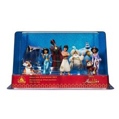 Fly away to a whole new world of imaginative play with the classic cast of Disney's Aladdin in this nine-piece deluxe figurine set that will inspire hours of wonderful new adventures. Disney Home, Disney Dream, Princess Birthday Party Decorations, Aladdin 1992, Disney Figurines, Mickey Mouse Club, Dog Pajamas, Disney Sketches, Magic Carpet