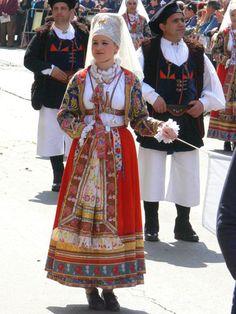 037-Costumi tradizionali dei comuni della Sardegna