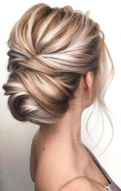 27 Trendy Updo Hairstyles for Short Hair Ideas #UpdoHairstyles #UpdoShortHair #EasyElegantHairstyles Formal Hairstyles, Bride Hairstyles, Cute Hairstyles, Bridesmaid Hairstyles, Hairstyle Ideas, Office Hairstyles, Stylish Hairstyles, Hairstyle Short, Spring Hairstyles