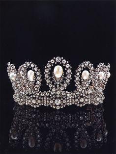 Diademi e gioielli reali. | da La Venaria Reale