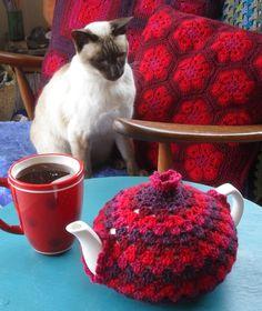 Crochet Granny Tea Cozy with free pattern