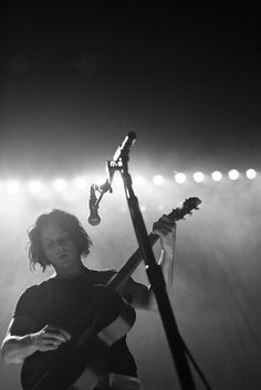 I will see Jack White in concert before I die.. && better yet, get to meet & talk with him. I would love to pick his brain..