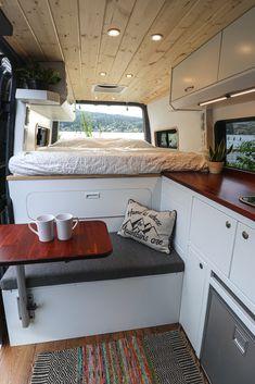 Van Conversion Interior, Camper Van Conversion Diy, Converted Vans, Build A Camper Van, Kombi Home, Bus Living, Sprinter Van Conversion, Van Home, Campervan Interior