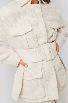 This jacket features a classic collar, snap button closures along the front, front flap pockets and a separate belt at the waist. Fashion Pants, Fashion Outfits, Kd Shoes, Peplum Dress, Shirt Dress, Flappers, Other Outfits, Tweed Jacket, Jean Outfits