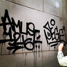 it's the heavy-handed Amuse126 (@amuse.126) with the drips. #amuse126 #handstyle #graffiti